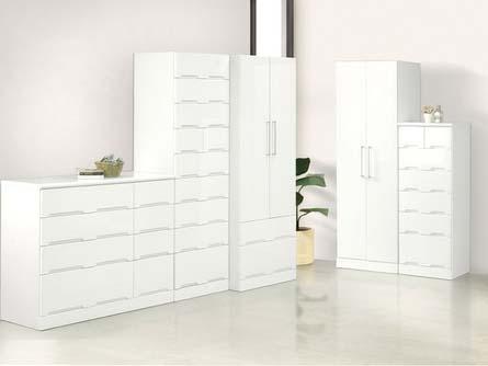 ワンルーム独身女性の部屋の家具